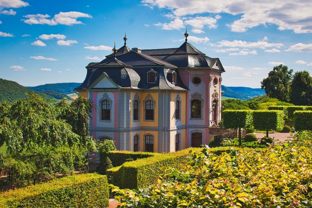 Blick auf das Lustschloss in Dornburg-Camburg